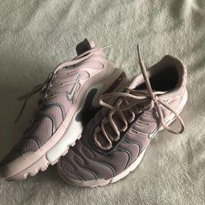 NIKE air max's sneakers